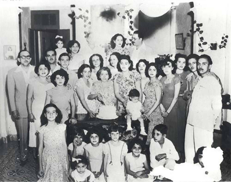 La celebración de los 60 años de mi abuela, Evange-2